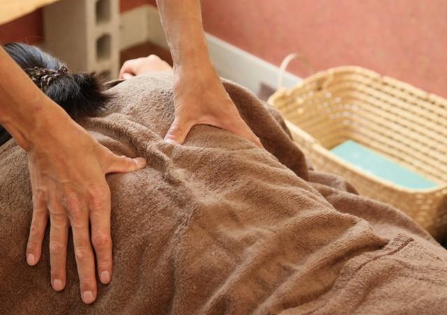 整骨院は左京区にある「美健整骨院」をお選びください~頭痛、猫背に関する悩みもお任せ~